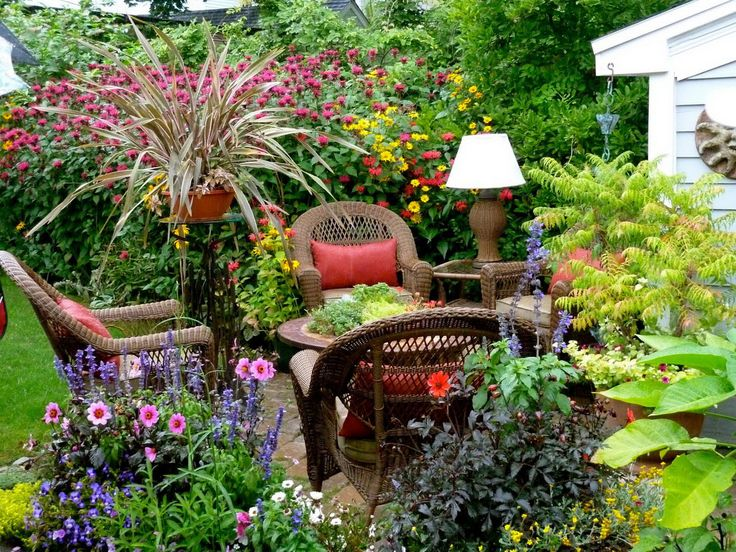 18 Cozy Backyard Seating Ideas