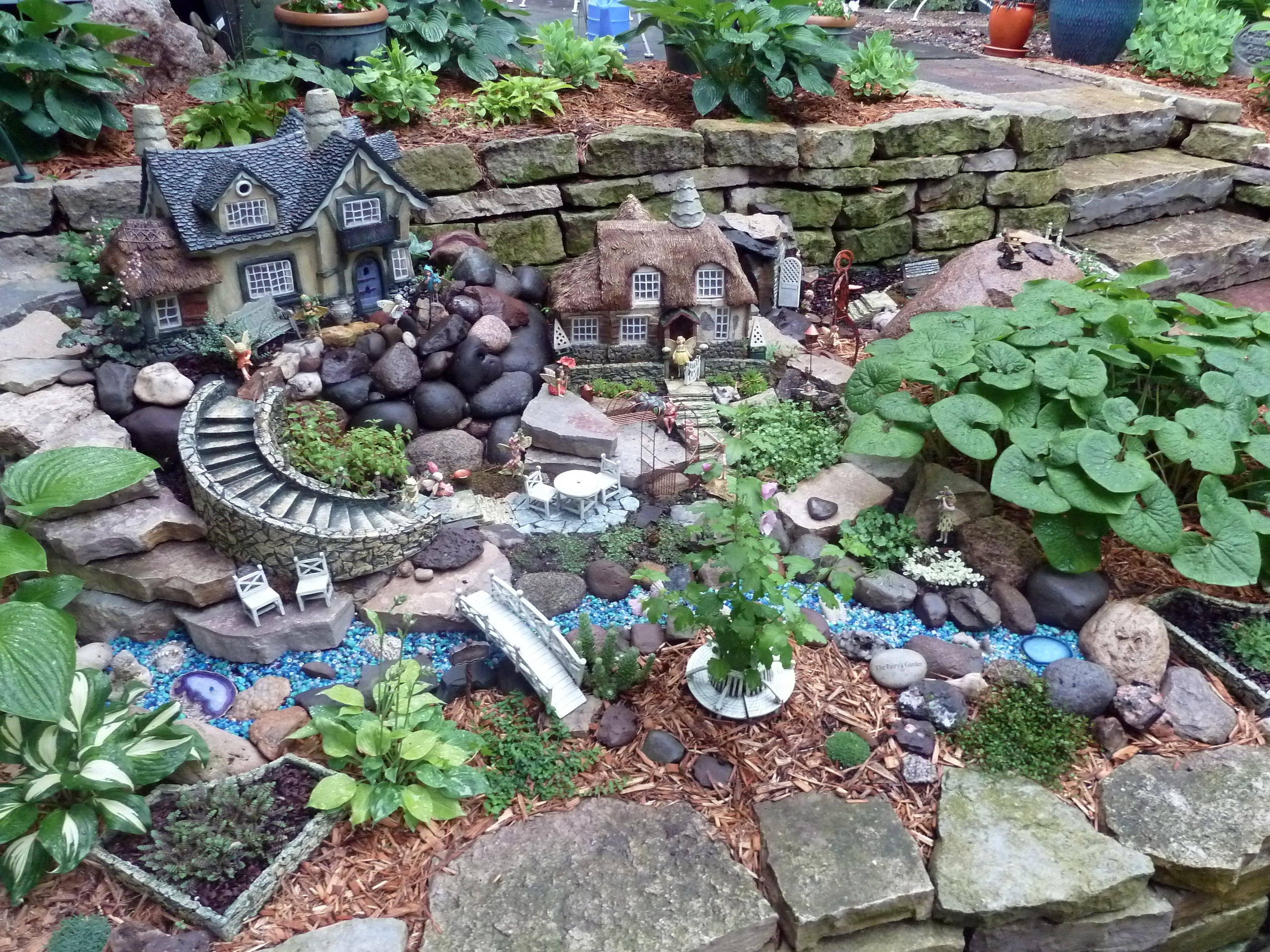 15 fabulous fairy garden ideas live diy ideas for Garden building ideas