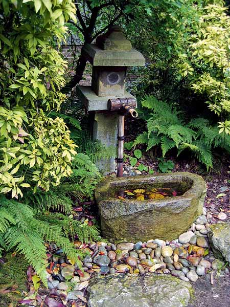 21 japanese style garden design ideas live diy ideas for Garden feature ideas